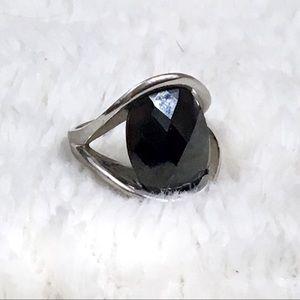 Jewelry - Faux onyx fashion thumb ring